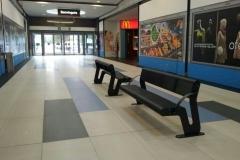 Bancos para los pasillos del centro comercial